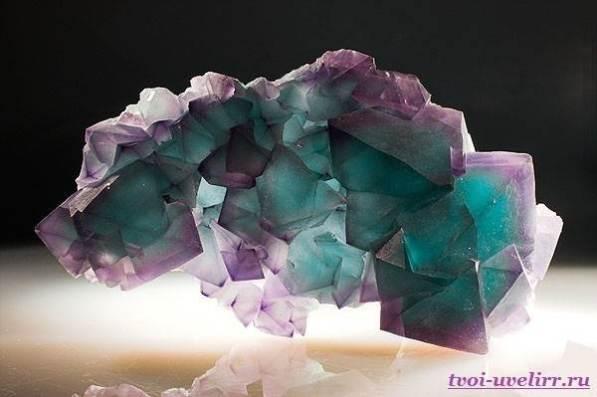 Камень-флюорит-Свойства-флюорита-Цена-флюорита-1
