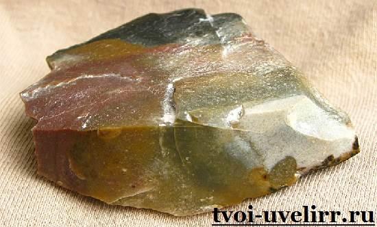 Камень-кремень-Свойства-кремня-Применение-кремня-1