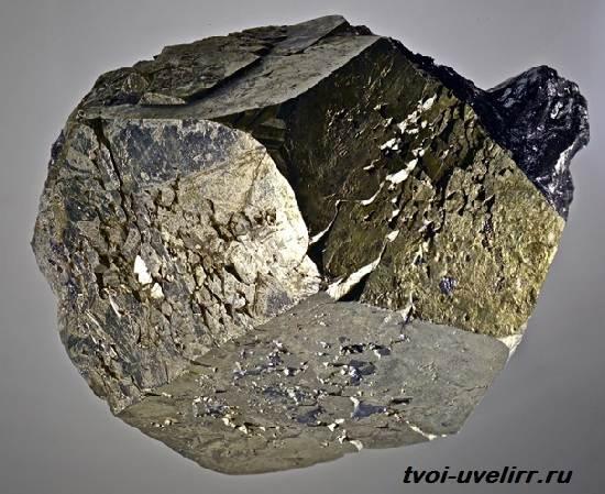 Что-такое-железный-колчедан-Свойства-и-применение-железного-колчедана-2