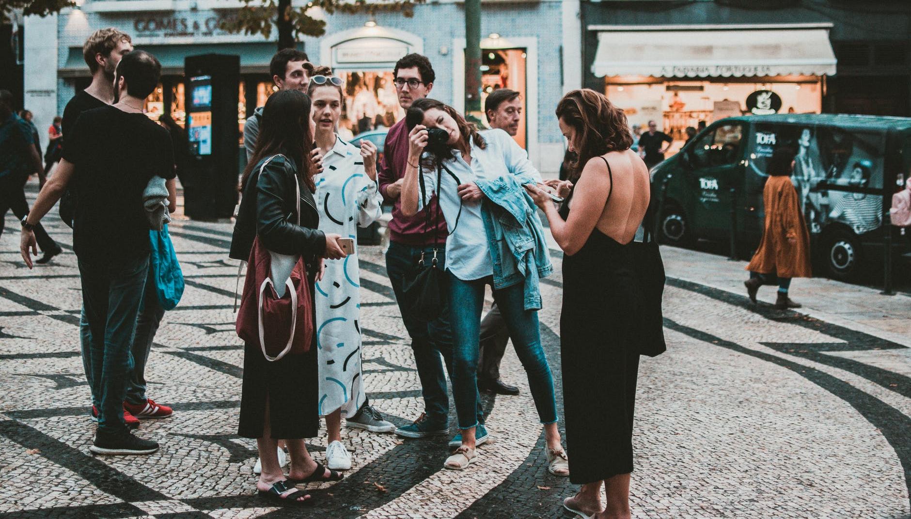 4 načina na koje ćete si olakšati razgovaranje s ljudima koje ne poznajete