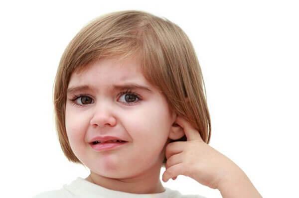 Экссудативный отит у детей: причины, симптомы, лечение