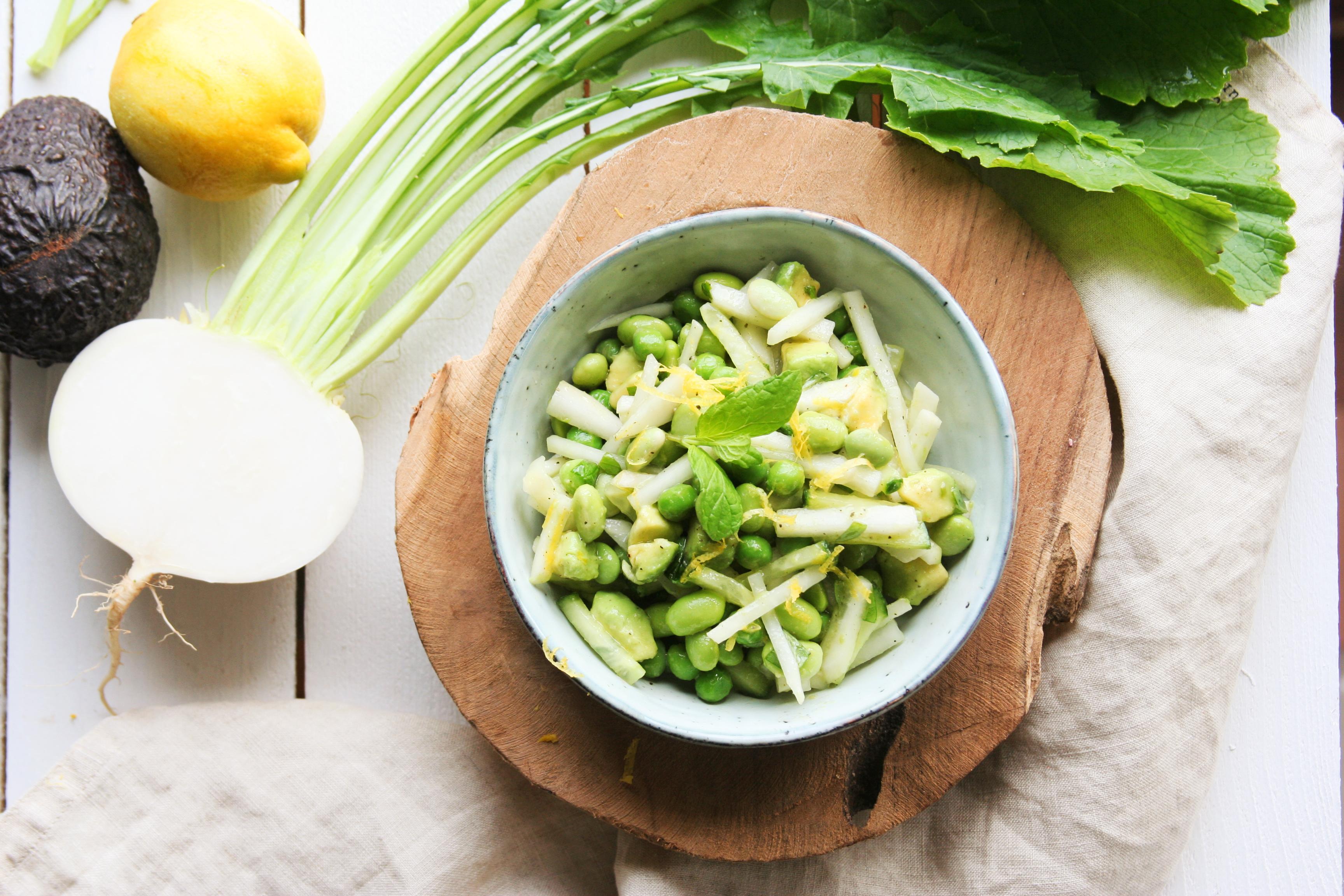 Detoxikační salát s ředkví a avokádem
