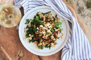 Letní úroda na talíři – křupavý salát z brokolice