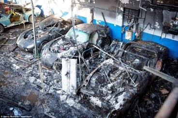 TVR traurige Überreste nach Brand (2)