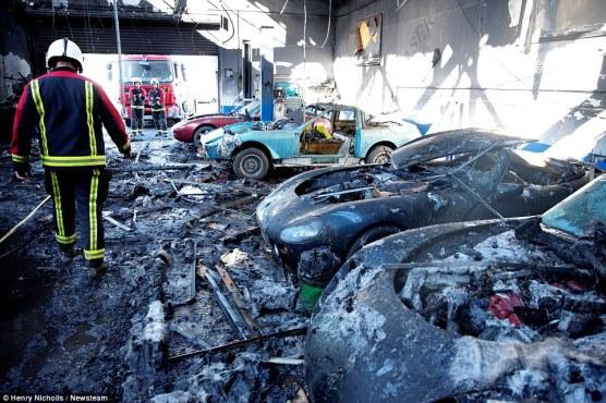 TVR traurige Überreste nach Brand (5)
