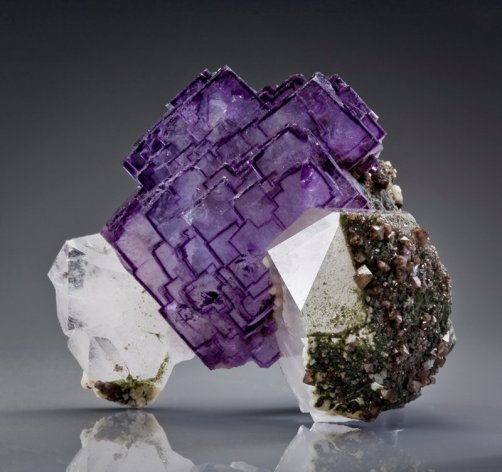 Fluorite-Purple crystals - Wiki Commons