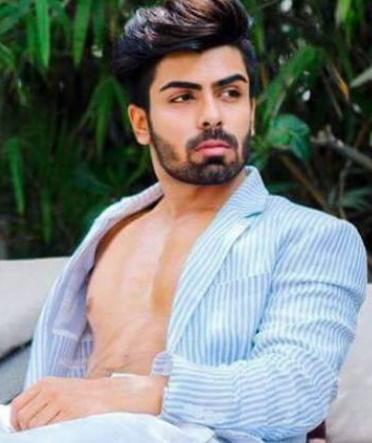 Rent a BoyFriend for a Day-Splitsvilla fame Akash Choudhary put on RENT