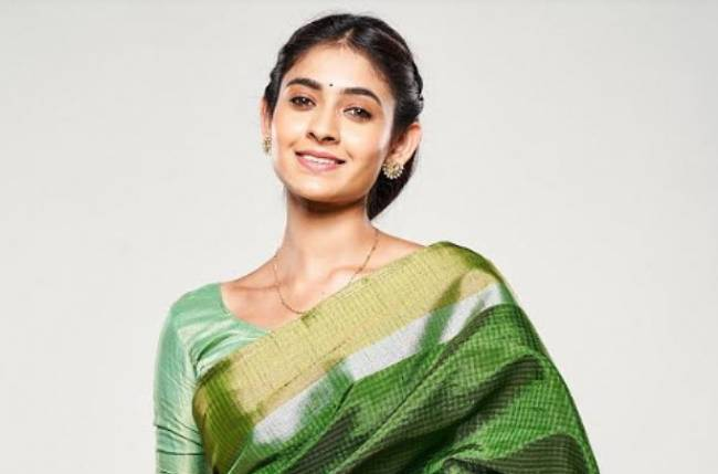 'Shivangi Khedkar' Biography, Wiki, Pallavi Real Name in Mehandi Hai Rachne Wali Serial | TvSerialinfo |Instagram