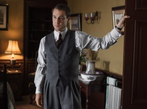 Frank Randall (Tobias Menzies) must be waiting for his wife, Claire, to return to him. (Starz)