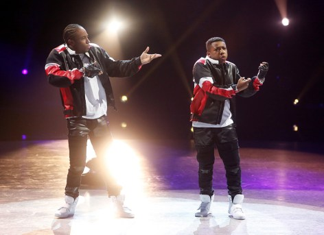 """SO YOU THINK YOU CAN DANCE: Top 6 contestant Kida Burns (R) and all-star Fik-Shun (L) perform a Hip-Hop routine to """"Blow A Check"""" choreographed by Luther Brown on SO YOU THINK YOU CAN DANCE airing Monday, August 22 (8:00-10:00 PM ET live/PT tape-delayed) on FOX. ©2016 FOX Broadcasting Co. Cr: Adam Rose"""