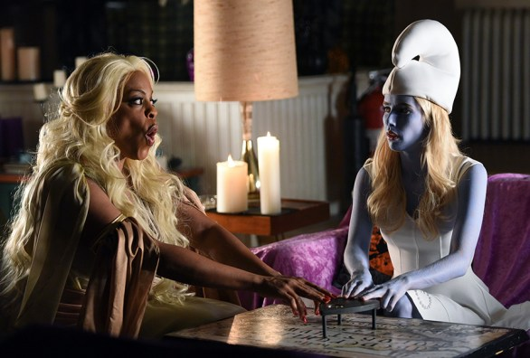 "SCREAM QUEENS: L-R: Niecy Nash and Emma Roberts in the all-new ""Halloween Blues"" episode of SCREAM QUEENS airing Tuesday, Oct. 18 (9:01-10:00 PM ET/PT) on FOX. Cr: Michael Becker / FOX. © 2016 FOX Broadcasting Co."