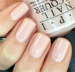 Simple neutral nails ideas to express your personality