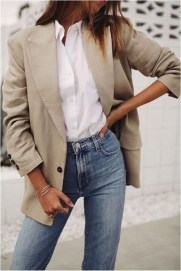 6 white shirt and jeans casual office outfit source em streetsstyle.com