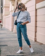 Cool mom jeans outfits sweater
