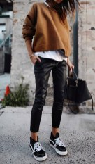 Fall outift ideas leather trousers