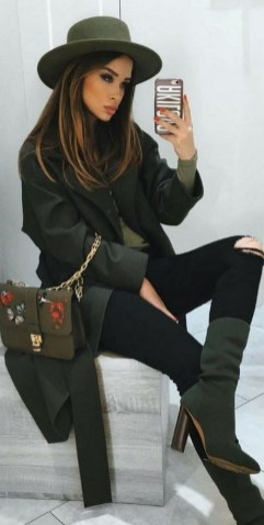 Monochormatic outfits fall or winter