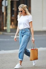 Street style outfits with boyfriend jeans