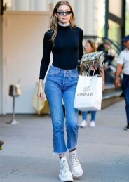 Cropped jeans and sneakers