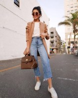 Cropped jeans for summer with sneakers