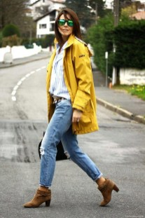 Gorgeous yellow jacket with jeans