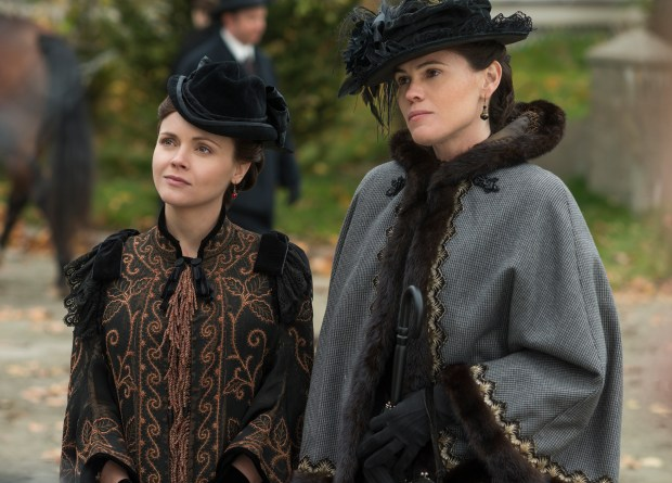 "(L to R) Christina Ricci (""Lizzie Borden"") and Clea DuVall (""Emma Borden"") star in the all-new Lifetime Original Limited Series, The Lizzie Borden Chronicles, premiering April 2015 on Lifetime. ©2014 A&E Television Networks, LLC. All rights reserved. Photo Credit: Chris Reardon"