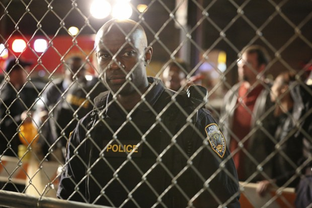 "Containment -- ""Pilot"" -- Image Number: CON101b_0116.jpg -- Pictured: David Gyasi as Major Lex Carnahan -- Photo: Quantrell Colbert/The CW -- © 2016 The CW Network, LLC. All rights reserved."
