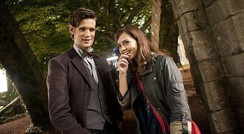 tv_doctor_who_matt_smith_jenna_louise_coleman_on_location