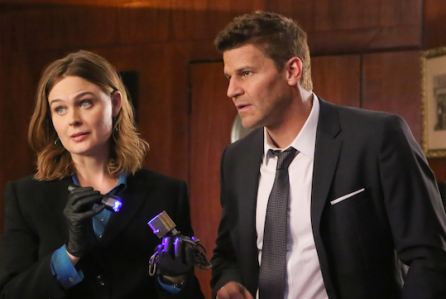 "BONES: L-R: Guest star Jay Thomas, Emily Deschanel and David Boreanaz in the ""The Promise in the Palace"" episode of BONES airing Thursday, Nov. 12 (8:00-9:00 PM ET/PT) on FOX. ©2015 Fox Broadcasting Co. Cr: Kevin Estrada/FOX"