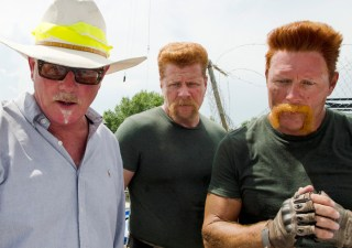 the-walking-dead-episode-606-bts-jeff-january-abraham-cudlitz-935