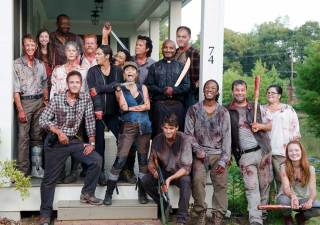 the-walking-dead-season-6-carol-mcbride-abraham-cudtliz-bts-935-1