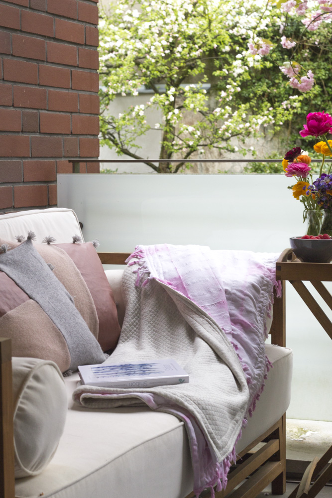 Upcycling: Outdoorkissen und Decke by Tweed & Greet