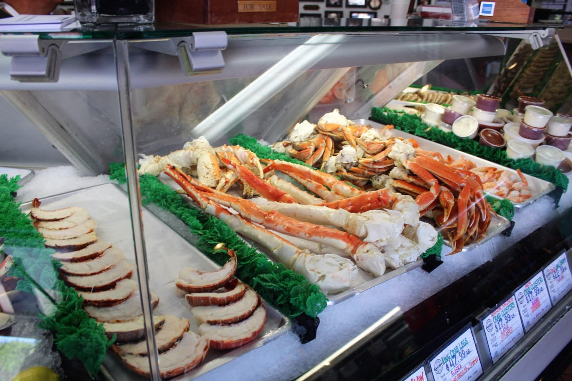 Captain Kidd's Fish Market serves up some of the best and freshest seafood in the South Bay. Order you food and eat oceanside at this local favorite.