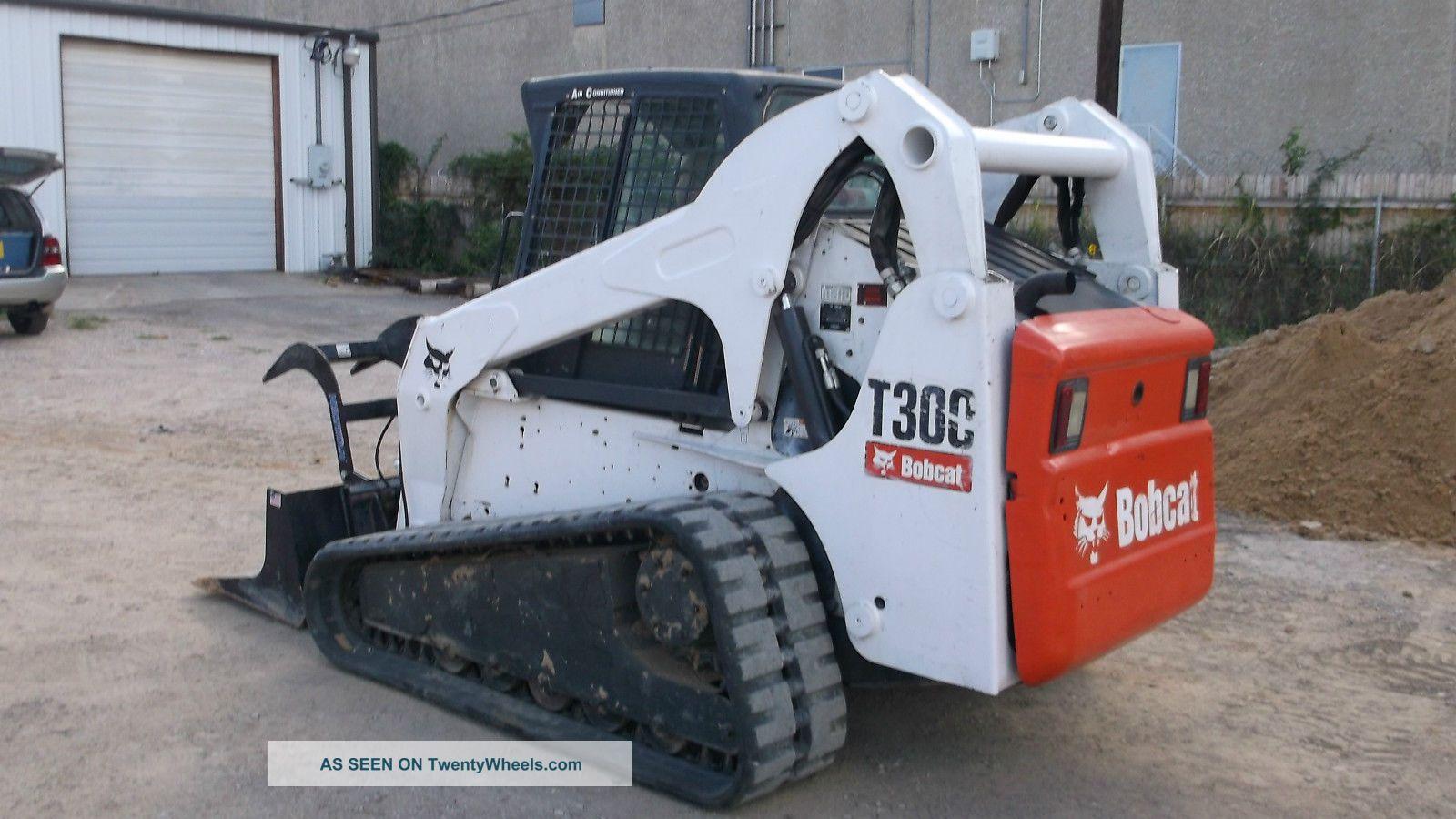 Bobcat T300 Compact Crawler Loader Skidsteer Hrs