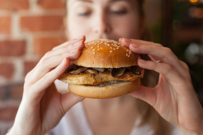Poor diet during teens, early adulthood may raise breast cancer risk