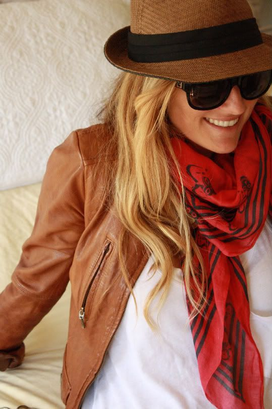 fall-fashion-leather-red-scarf