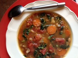 Tuscan Cannellini and Kale Soup