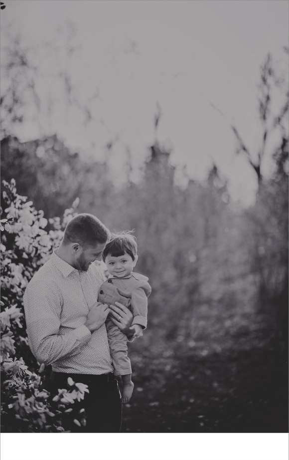 black and white family sessions