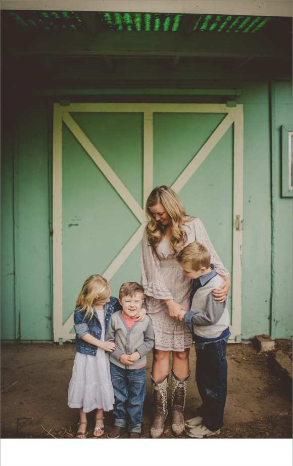 children and families, moms and kids, barns, Washington to Wisconsin or bust, Twig and Olive photographers