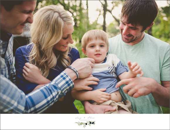 children and family sessions, Des Moines Iowa, little angels, siblings, cousins, family, so serious, great shoots, family sessions, happy families, brothers, Twig and Olive in Iowa, mini sessions, family sessions, Des Moines to Sun Prairie, TOP