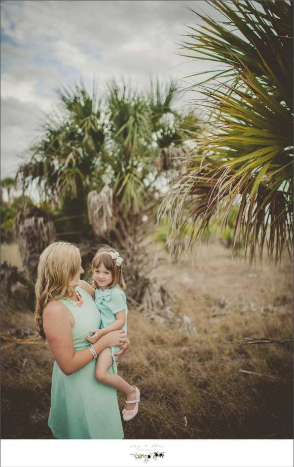 Moms and daughters, green dresses, vintage florida sessions, Clearwater beach sessions, Clearwater families, palm trees, family sessions, children, parents, Twig and Olive in Clearwater Beach