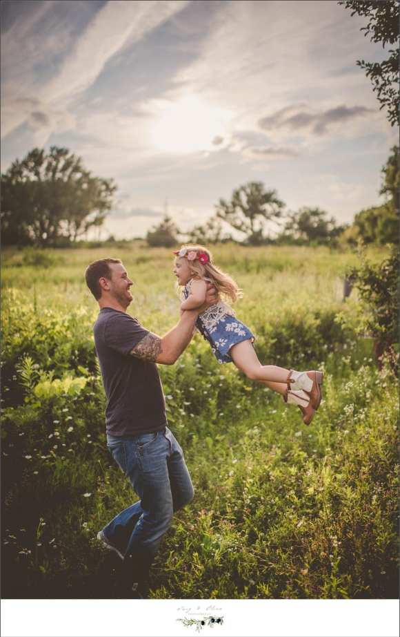 dads and daughters, happy children, happy families, outdoor sessions, Twig and Olive