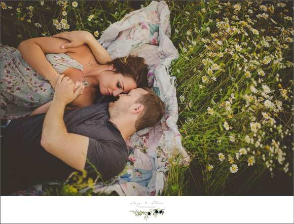 blankets, embraces, love, cherish, prairie grass, family sessions
