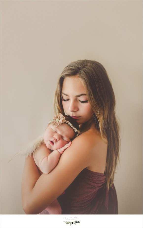 moms and babies, newborns, snuggles