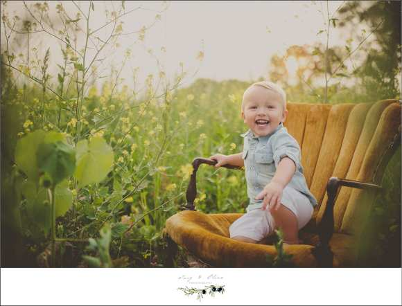 orange chair, prairie grass, toddler sessions, happy toddler, smiles, laughter, giggles, sun prairie outdoor sessions