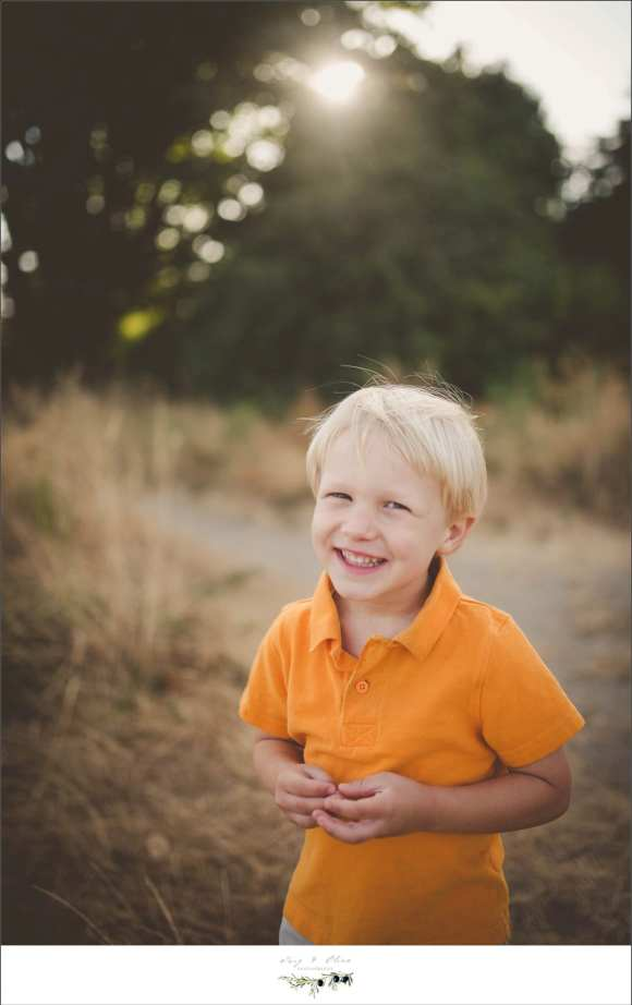 cute kid, orange shirt