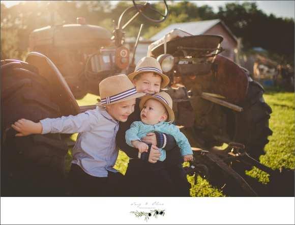 tractors, straw hats, fedoras