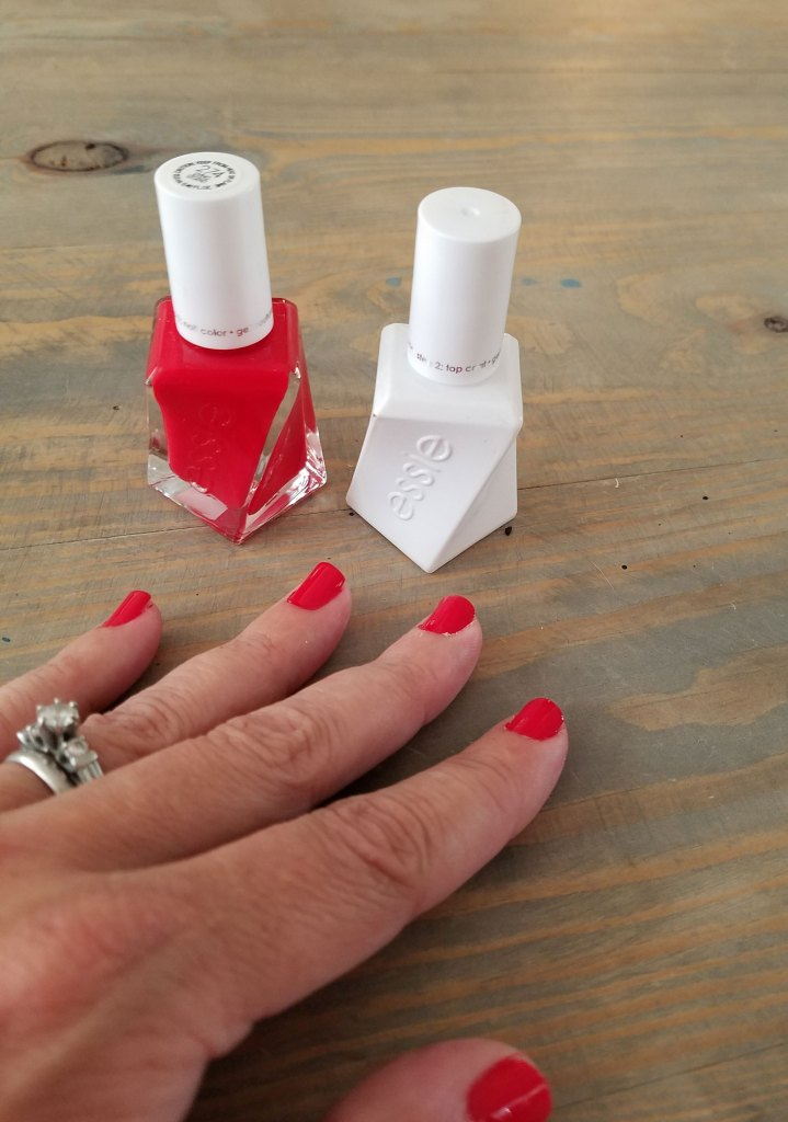 summer nails with essie gel couture