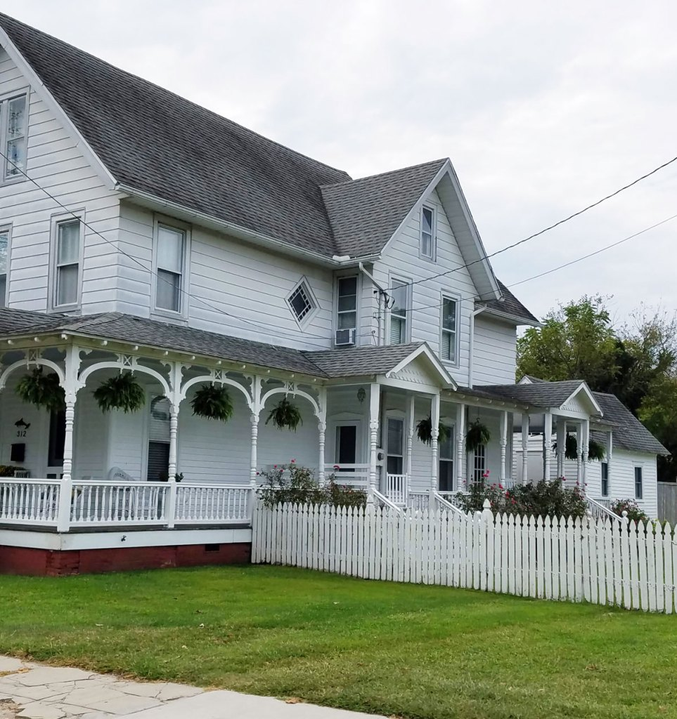 house-with-pretty-porch