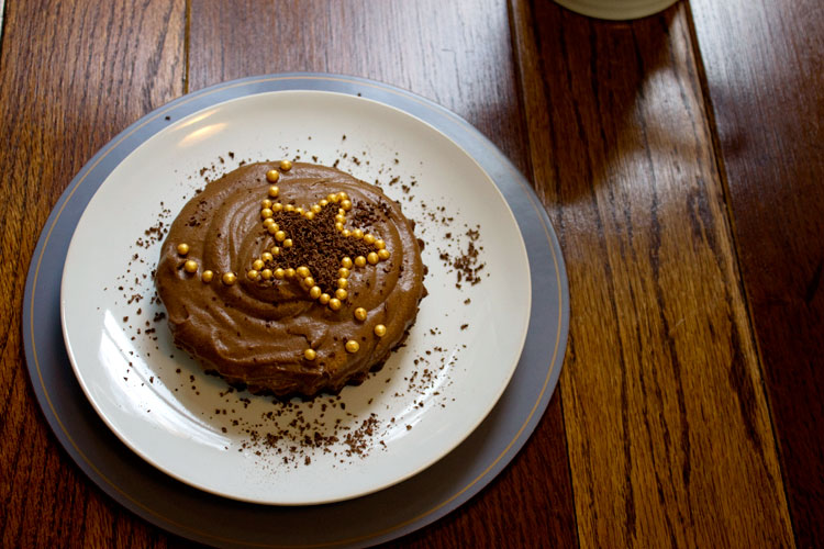 chocolate-gingerbread-mousse-cake
