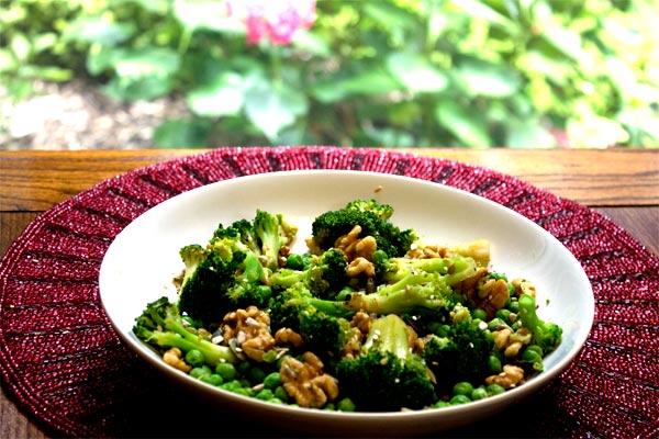 Broccoli, peas, nuts & seeds